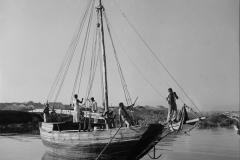 Barco no porto de São Luís