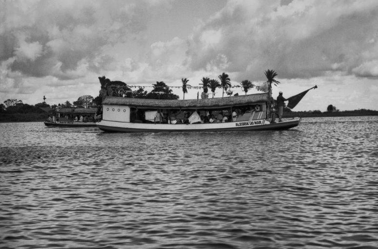 (Foto) 1986-1984. Albani Ramos. Imagens do Maranhão - Corrida de ascensão Penalva Fonte: Museu Afrodigital da UFMA.